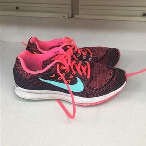 Nike Shoes - Nike women's zoom structure 18 shoes used size 7.5
